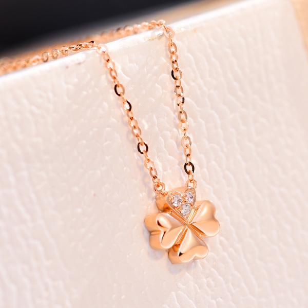 18K玫瑰金钻石四叶草项链 锁骨链彩金白金情人节礼物送女朋友