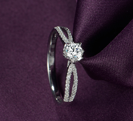 18k金钻石戒指结婚求婚情侣对戒铂金婚戒
