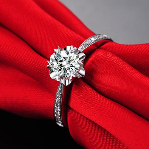 18K钻石戒指女1克拉裸钻定制白金订婚求婚结婚铂金钻戒