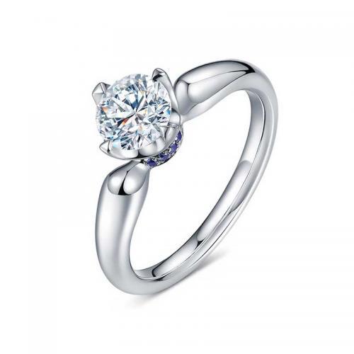 北极光 月光女王铂900钻石戒指
