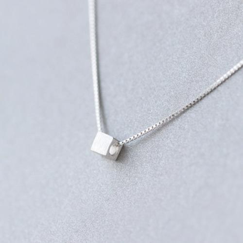 925银项链吊坠女时尚简约韩版拉丝方块项链气质短款锁骨链