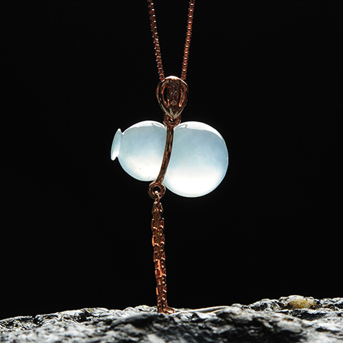 天然冰种淡绿玉福禄挂件 高档18K金镶嵌翡翠葫芦吊坠