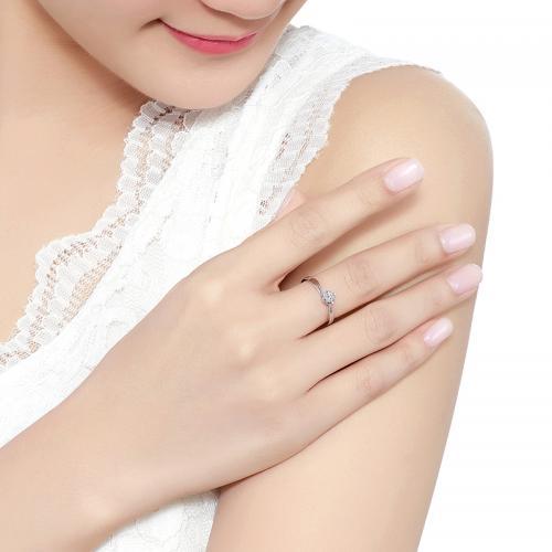 德西尔珠宝求婚钻戒携手一生结婚钻戒女款18K金钻石戒指定制