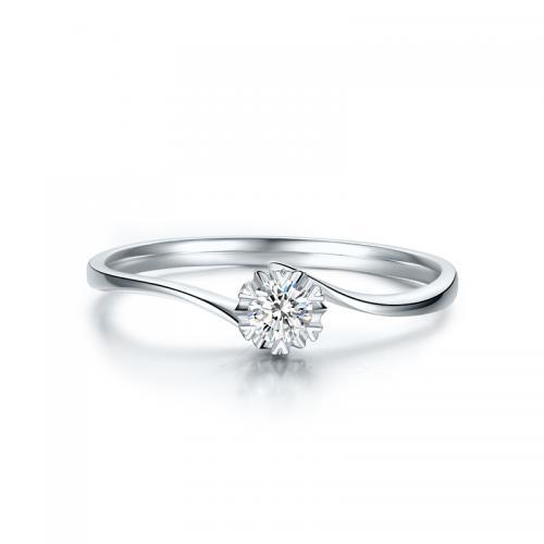 德西尔 18K金钻石戒指女求婚结婚钻戒 璀璨KGDB021231